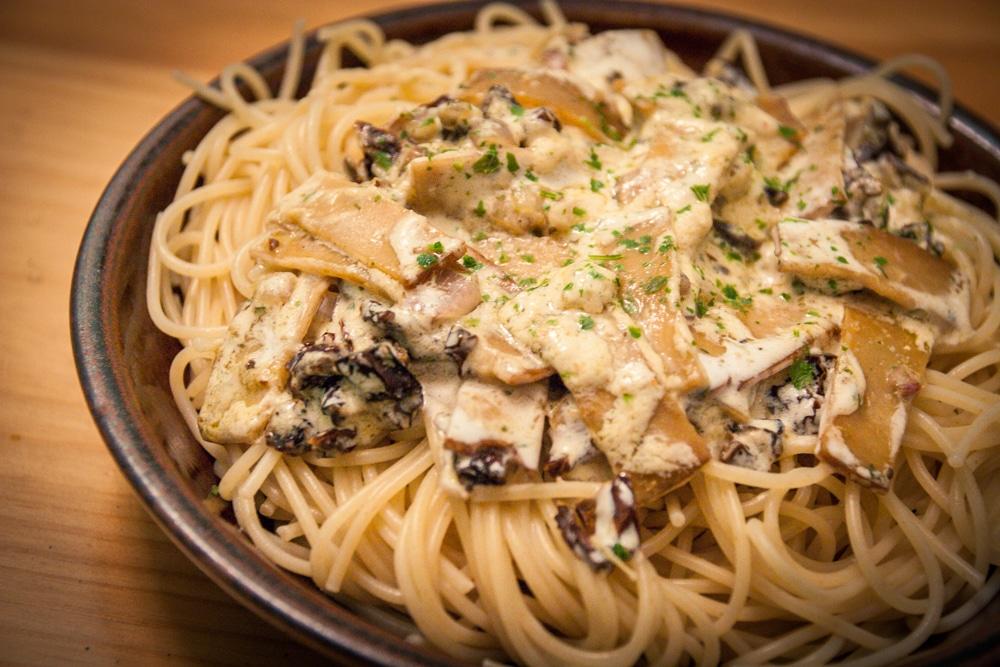 Spaghetti aux tomates s ch es et lani res fum es v gane - Cuisine pour les debutants ...